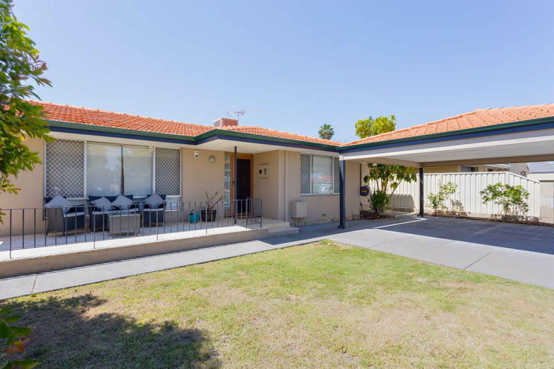 COME AND BE WOWED BY THIS FULLY RENOVATED HOME!