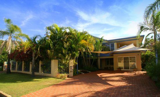 Spacious Beachside Home Korora