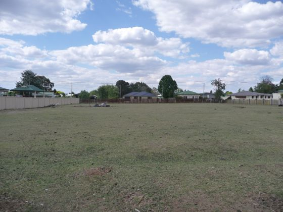 VACANT LAND IN TOWN