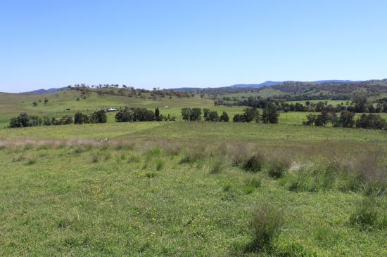 A rare Scone rural offering