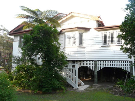 VERY PRIVATE RENOVATED CHARACTER HOME NEAR BEACH!